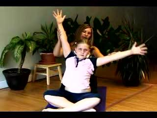 How To Teach Yoga & Meditation For Children : How To Teach Kids To Warm Up For Yoga