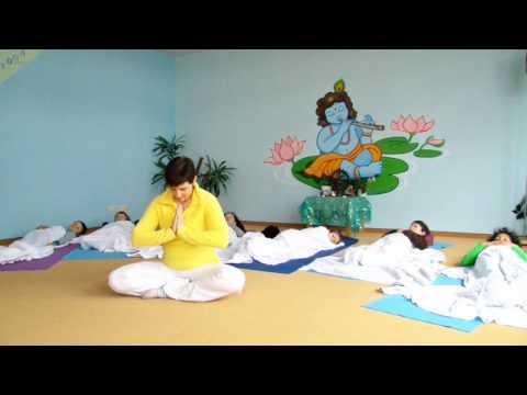 Yogastunde Kinder Tiefenentspannung mit Kindern