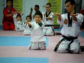 HUGO taekwondo meditation