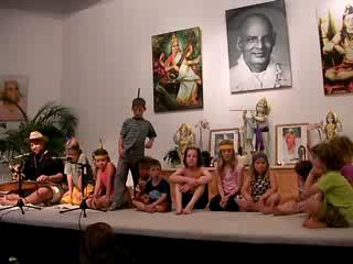 Indianer in Bad Meinberg - Aufführung der Kleinsten