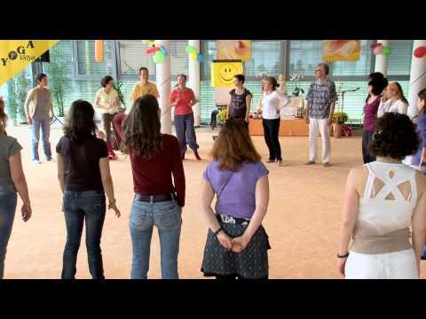 Vortrag und Yogastunde von Gisela Dombrowsky: Lachyoga für Kinder von 3 bis 12 Jahren
