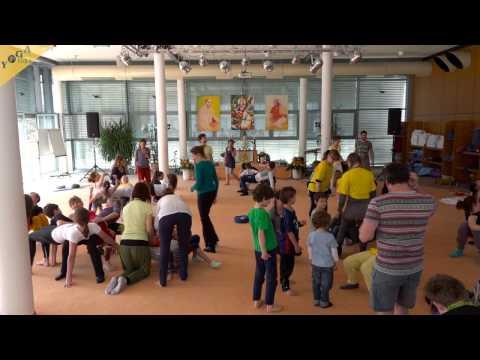 Kinderyogakongress - Workshop: Acro Yoga - Erste Flugversuche für Erwachsene und Pinguine