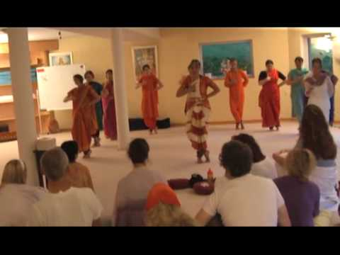 Indische Tanzausbildungsgruppe Yoga Vidya Westerwald