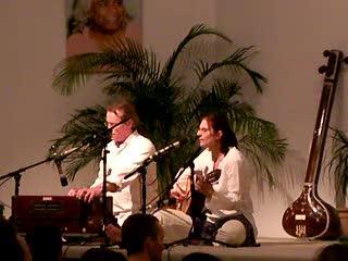 Govinda Jaya Jaya - Mantra Singen