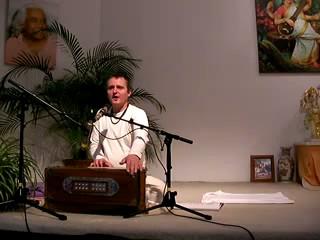 Ramakrishna Hari - Mantra-Singen mit Bharata