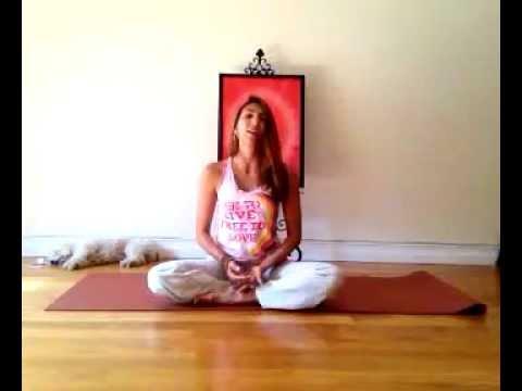 """Yoga en casa.  """"Balanceando el Chakra 2"""""""