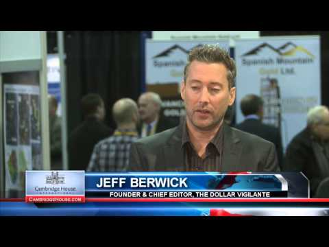 """Get As Far Away From the USA...""""it's collapse will be messy"""": Jeff Berwick"""
