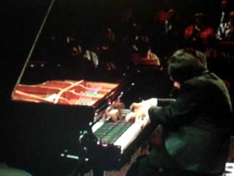 3 - Blind Japanese Pianist Nobuyuki Tsujii plays La Campanella at Cliburn