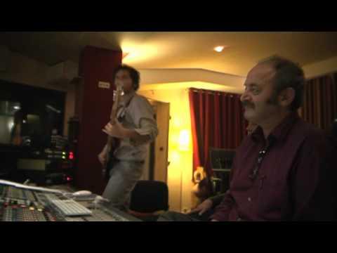 Louis Chedid - On ne dit jamais assez aux gens qu'on aime qu'on les aime - vidéo studio