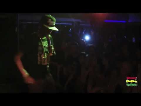 Popcaan - No Ordinary Girl (Live in Italy) November 2012
