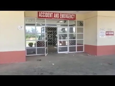 Family Destroys hospital because Of relative's death + Chaos at Sav la mar JAMAICA NEWS FEB 2018
