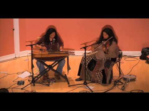 Pura Fé & Rhiannon Giddens - Mahk Jchi - Native American music