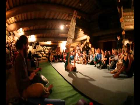 AcroYoga with Sophia and Winni Ruhs - Performance at German Kula Celebration 2011