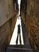 narrow calle + shadow
