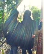 Rayssa e Raquel de costas....iluminadas do Senhor!