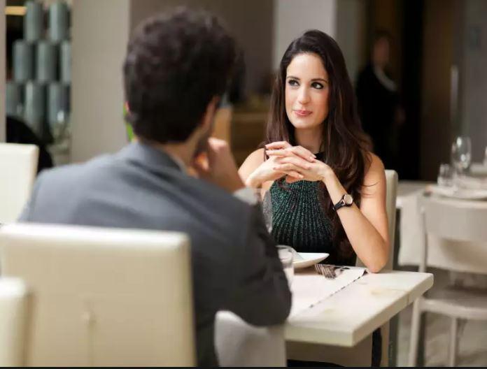 κορίτσι dating φόρουμ αλήθεια στα ραντεβού με τη Σούζαν Κάμπελ