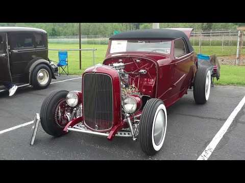 Checking Out Classic Cars With Pam  32 Ford Hot Rod