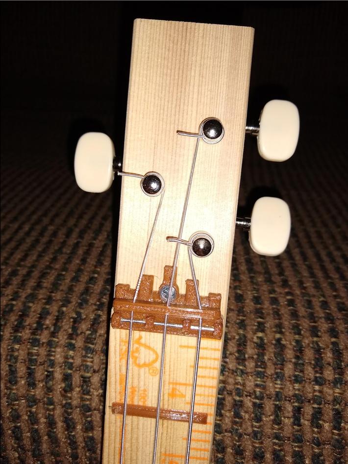 Pizza Box Guitar-3