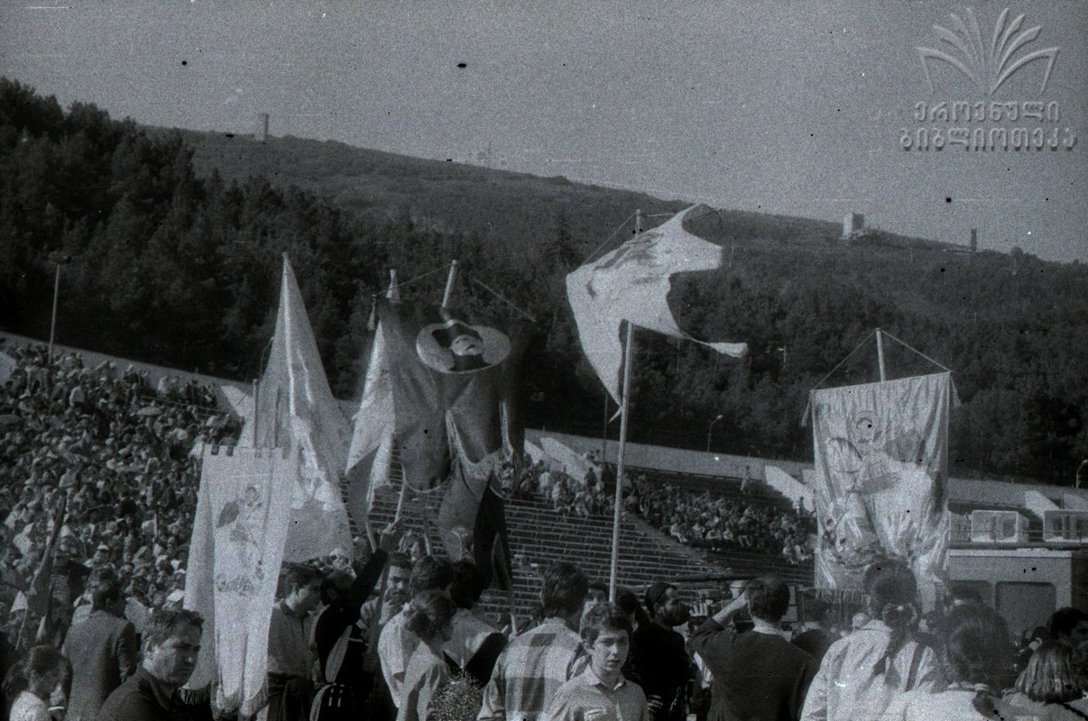 დამოუკიდებლობის დღე, ისტორიული ფოტოები, საქართველოს დამოუკიდებლობა, 26 მაისი, 1990 წლის 26 მაისი, qwelly, qwellygraphy