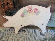 Old Pig Cutting Board