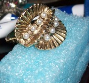 Goldtone and Pearl ring, have matching necklace