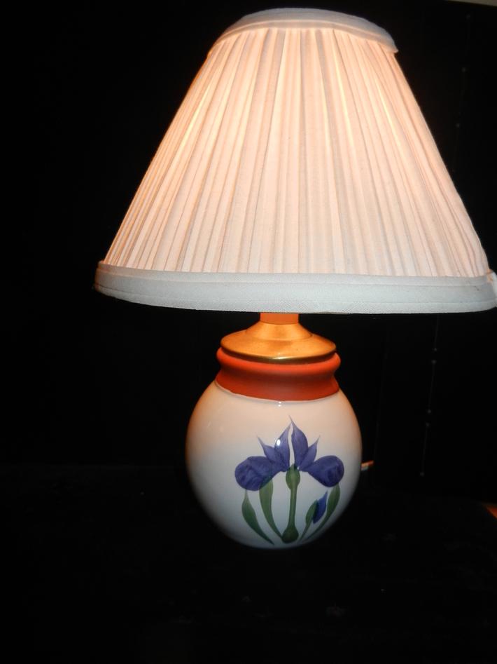 024 Vintage Shelf Light - Mini Night Light