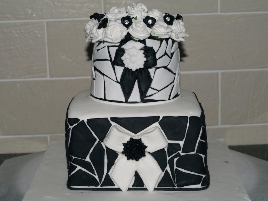Black and white Mosiac cake - 304F