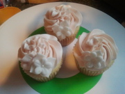Majesty's Birthday Cupcakes - 729F