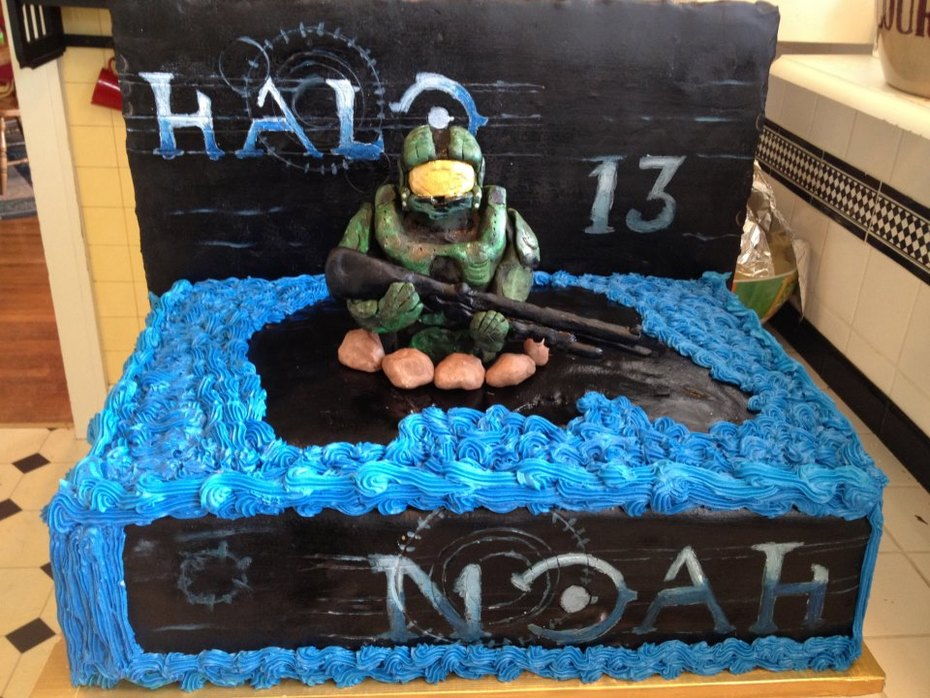 Peachy Halo Master Chief Cake Cake Decorating Community Cakes We Bake Funny Birthday Cards Online Alyptdamsfinfo