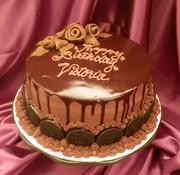 Chocolate cake with chocolate ganash and Oreos