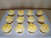 Elle's yellow roses cupcakes