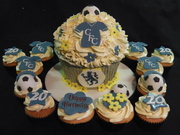 Chelsea Giant Cupcake with matching cupcakes