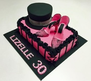 Moulin Rouge in pink cake!