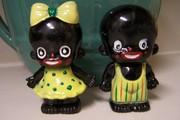vintage black americana plastic s&p set