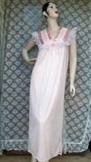 Vintage Ladies Peach Nightgown Nightwear Nightie
