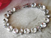 Lovely Vintage Weiss Rhinestone Bracelet