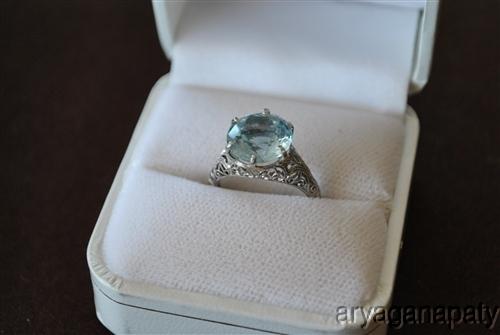 18k White Gold Filigree Round Cut Aqua Marine Ring