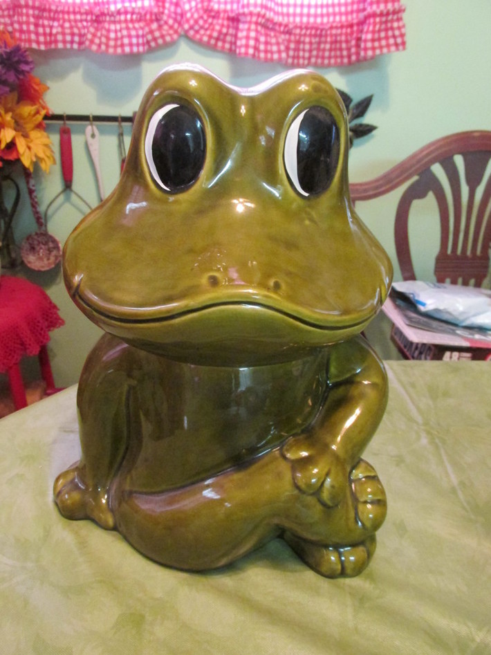 Neil the Frog Cookie jar
