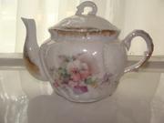Floral design porcelain tea pot