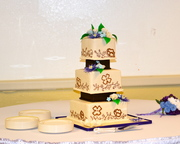 Wedding cake......Roe's Photography