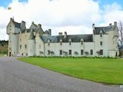 Ballindalloch Castle , Spey Valley , Scotland .
