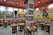 Restaurante La Taurina Madrid centro salon arriba