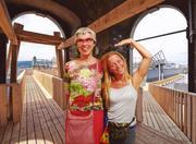 yogacongress in linz  adelheid und vibana im höhenrausch