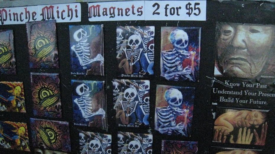 Dia De Los Muertos fiesta por Centro Del Pueblo in Echo Park