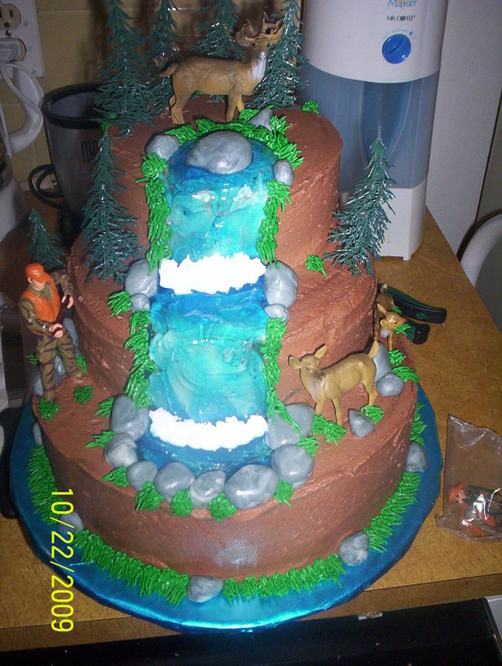 Grooms Hunting Cake