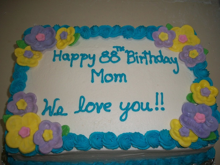 Quarter sheet birthday cake