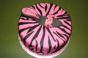 Diva Dash 2010 cake 007
