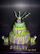Shelbys 17th birthday cake 003