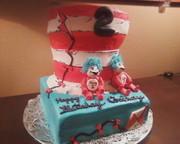 cat in  the hat cake2