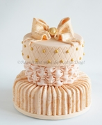wedding cakes and multiple tier cakes